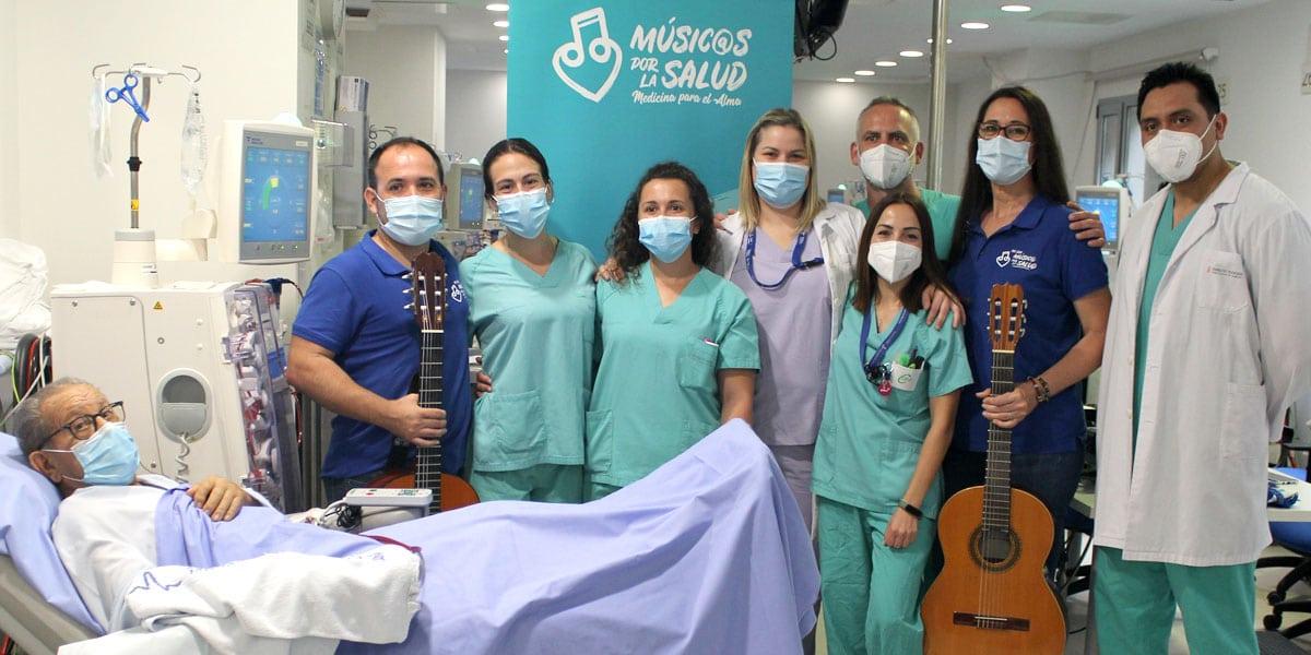 ana-palacios-retrata-musicos-por-la-salud-hospitales-centros-valencia