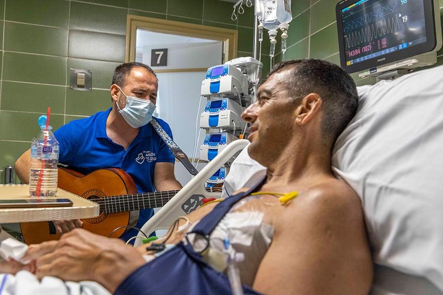UCI-microconcierto-musicos-por-la-salud-foto-ana-palacios